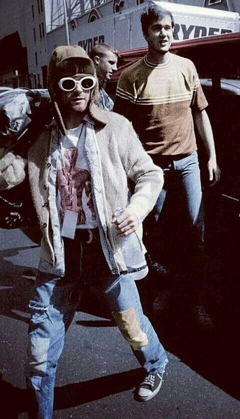 Kurt Cobain with Krist Novoselic