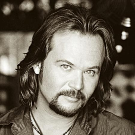 Travis Tritt was in Sprayberry High School's class of 1981! My niece went to school there too.