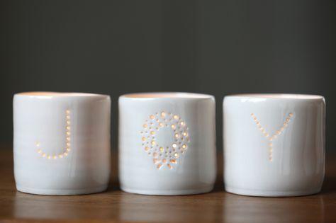 dotcomgiftshop WHITE CIRCLES CERAMIC TEA LIGHT CANDLE HOLDER WEDDING DECOR