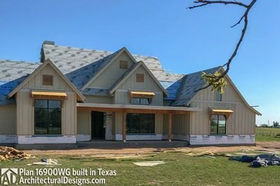 House Plan 16900wg Comes To Life In Texas Photo 036 House Plans House House Styles