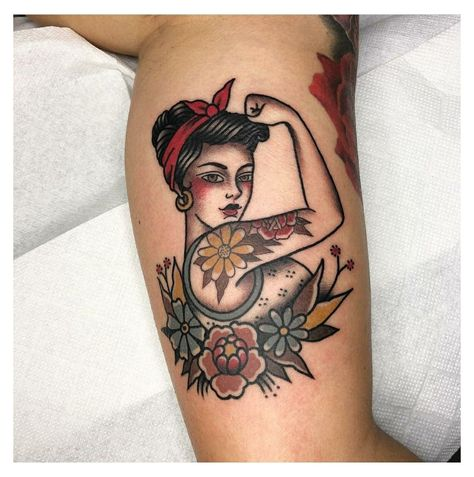Traditional Tattoo Pin Up Girl, Traditional Tattoo Flowers, American Traditional Tattoos, Neo Traditional, Traditional Tattoo Outline, Traditional Tattoo Inspiration, Old Tattoos, Pin Up Tattoos, Body Art Tattoos