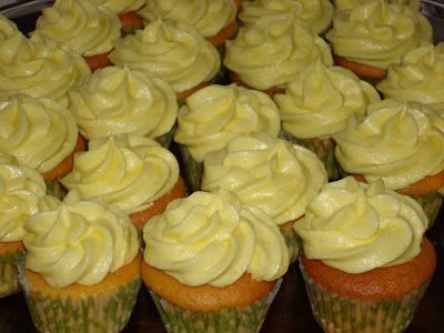 The Cupcakery: Week 8: Lemon Cupcakes with Lemon Kissed Buttercream Frosting