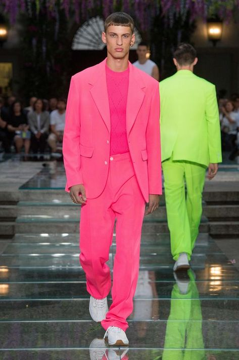 Neon | 25 Looks para se inspirar na Tendência – O Cara Fashion