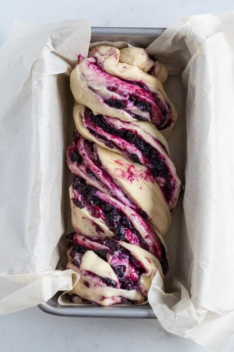 Blueberry Cream Cheese Babka Buttery brioche dough rolled up with sweetened cream cheese and homemade blueberry preserves. Serve this at your next brunch or breakfast and be the star of the show! Bolos Cake Boss, Blueberry Recipes, Blueberry Bread, Apple Recipes, Recipes With Blueberries, Blueberry Cinnamon Rolls, Mini Pizza Recipes, Apple Cinnamon Bread, Strawberry Bread
