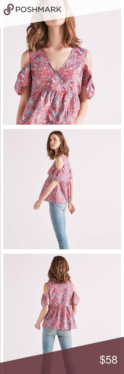 b7c849250d3c60 Lucky Brand Cold Shoulder Top Size M Lucky Brand printed Cold Shoulder Top  in a hot pink and turquoise with a subtle hint of silver metallic threads.  Wrap ...