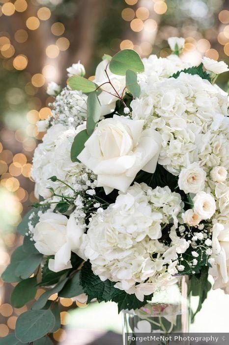 Lorena And Caleb S Wedding In San Diego California In 2020 White Wedding Flowers Wedding Flowers White Roses Wedding Flowers