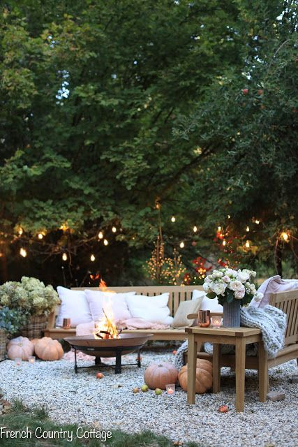 7 Ideas For Inspired Autumn Ambiance On The Patio French Country Cottage Fall Patio Backyard Design Backyard
