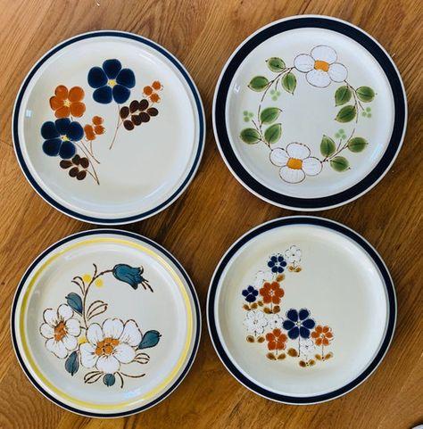 Set of 4 Mismatched 1970's Floral Stoneware Dinner Plates