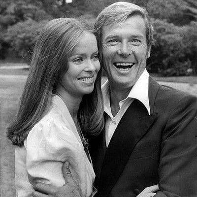 Roger Moore E Barbara Bach No Lancamento Do Filme 007 O Espiao