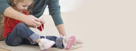 Come insegnare ai bambini ad allacciare le scarpe? http://www.scarpebambinoshop.com/come-insegnare-ai-bambini-ad-allacciare-le-scarpe.html
