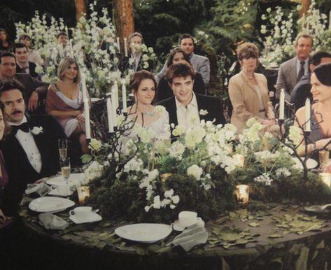 Would you want your wedding to look like the wedding featured in The Twilight Saga: Breaking Dawn - Part Edward Bella, Bella And Edward Wedding, Bella Wedding, Perfect Wedding, Dream Wedding, Edward Cullen, Fantasy Wedding, Breaking Dawn Wedding, Twilight Breaking Dawn