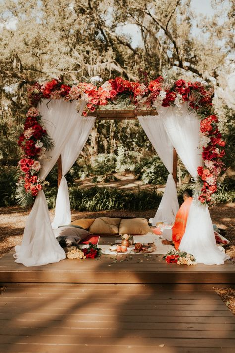 Sadie and Kiran had a beautiful rustic cultural wedding at Cross Creek Ranch, in Dover Florida, with a religious Indian ceremony and traditional ceremony. Outdoor Indian Wedding, Indian Weddings, Romantic Weddings, Rustic Weddings, Outdoor Weddings, Hindu Weddings, Peach Weddings, Indian Destination Wedding, Indian Wedding Receptions