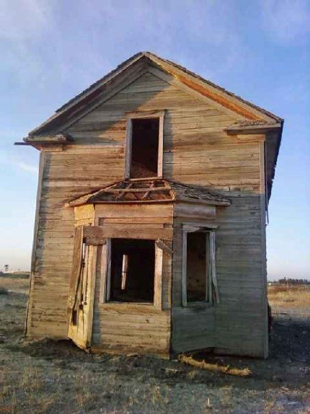 Old abandoned house in Fishtrap WA