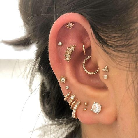 's beautiful collection, with a new hiding helix piercing up. - 's beautiful collection, with a new hiding helix piercing up top with Har - Pretty Ear Piercings, Ear Peircings, Multiple Ear Piercings, Daith Piercing, Faux Piercing, Double Lobe Piercing, Bellybutton Piercings, Body Piercings, Fringe Earrings