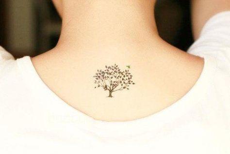 Lebensbaum am Rücken tätowieren - coole Idee
