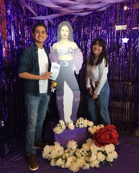 Texas knows where it's at when it comes to showing its love for Selena Quintanilla. The Alamo Drafthouse Cinema Montecillo in El Paso hosted special screenings