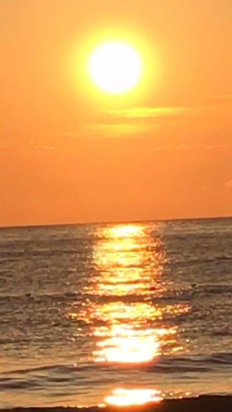 SUNSET AESTHETIC