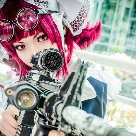 Fantastic cosplay of Mey-Rin (Kuroshitsuji) *--* but her eyes weren't brown? <=== who cares!? this is perfect!!! (and that gun tho :ASD)