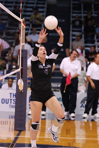 A Setter Volleyball Checklist With Tips To Improve How To Set A Ball Volleyball Setter Volleyball Tips Coaching Volleyball