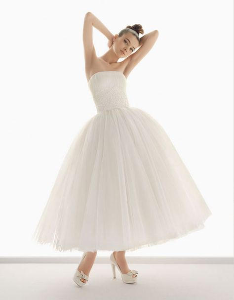 Ball gown strapless glamorous tulle with appliques wedding dress