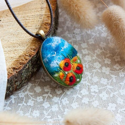 Felted Poppy Necklace Needle Felted Pendant Felt Medallion Poppy Flower Pendant Felted Jewelry Gift Ideas For Her Valentines day