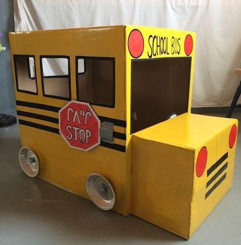 DIY homemade cardboard box school bus - DIY homemade cardboard box school bus You are in the right place about felt crafts Here we offer yo - Large Cardboard Boxes, Cardboard Box Crafts, Cardboard Playhouse, Cardboard Furniture, Cardboard Box Ideas For Kids, Cardboard Box Houses, Playhouse Furniture, Cardboard Castle, Felt Crafts