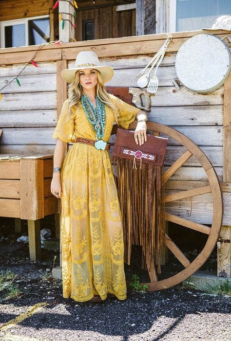 NFR-Ready Looks from Buckin' Wild Boutique - Cowgirl Magazine Gypsy Cowgirl Style, Gypsy Style, Cowgirl Fashion, Cowgirl Hair, Cowgirl Look, Boho Style, Country Girls Outfits, Western Outfits, Summer Cowgirl Outfits