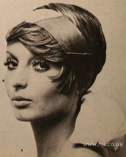 1971 Straight Headband Hairstyle Hairstyle Gallery Headband Hairstyles Fancy Short Hair Hairstyle Gallery