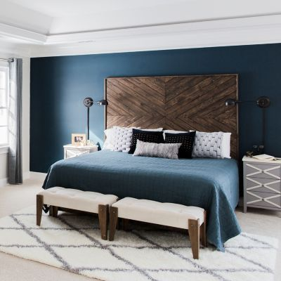 Get Inspired By These Navy Blue Bedroom Ideas For Your Master Decoration Navyblue Navy Blue B Blue Master Bedroom Master Bedrooms Decor Blue Bedroom Walls