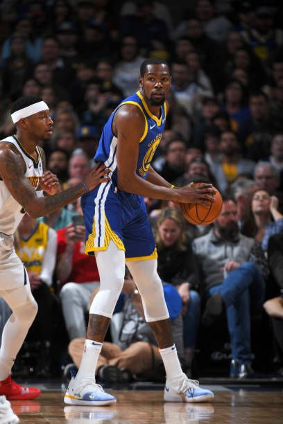 Kevin Durant Of The Golden State Warriors Handles The Ball Against Kevin Durant Nba Kevin Durant Nba Stars