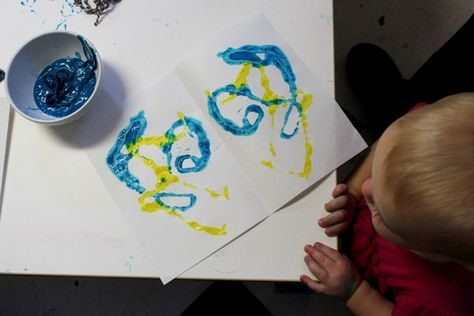Mirror-image string prints with the Toddler Art Group