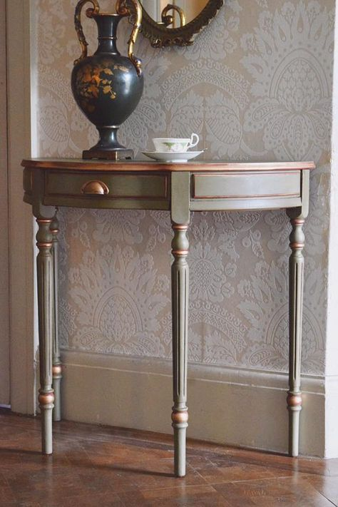 Olive Chalk Paint Was Painted On This Beautiful Console The Distressed Gilding Wax On The Edges Were Based Painted Furniture Refinishing Furniture Furniture