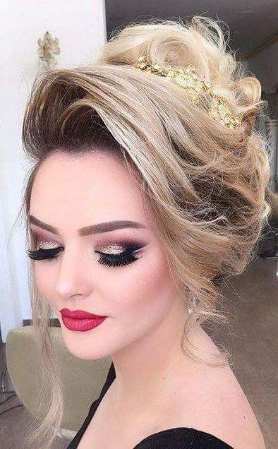 تسريحات الشعر للعرايس تسريحات و شينيون للأعراس روعةة تسريحات انيقة و فخمة للأعراس اجمل الموديلات Hair Waves Hair Affair Hair