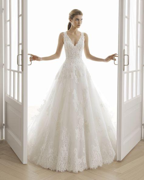 Wedding Dress Black, V Neck Wedding Dress, Wedding Dress Pictures, Pink Wedding Dresses, Gorgeous Wedding Dress, Tulle Wedding, Bridal Dresses, Gown Wedding, Summer Wedding Gowns