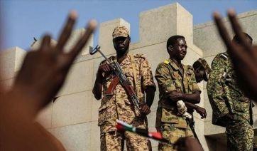 أحداث السودان في حين القاهرة تدعو لضبط النفس عواصم غربية تحمل العسكري المسؤولية Baseball Bat Baseball Sports