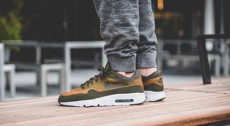 nike air max 1 ultra flyknit olive womens