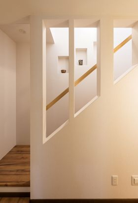 Lepcso Otletek おしゃれまとめの人気アイデア Pinterest Sara Czippan 2020 リビング階段 狭小住宅 ハウス