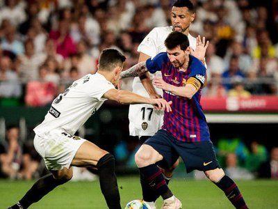 Copa Del Rey Valencia Stun Barca To Win First Title In 11 Years Valencia Barcelona City Rey