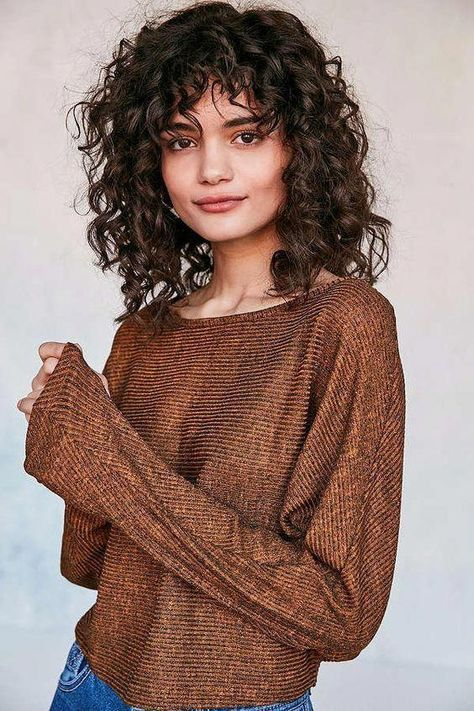 Ideas hair short curly bangs medium lengths for 2019 Curly Hair Styles, Curly Hair With Bangs, Haircuts With Bangs, Curly Hair Cuts, Medium Hair Cuts, Short Curly Hair, Curly Girl, Haircut Medium, Red Curly Hairstyles