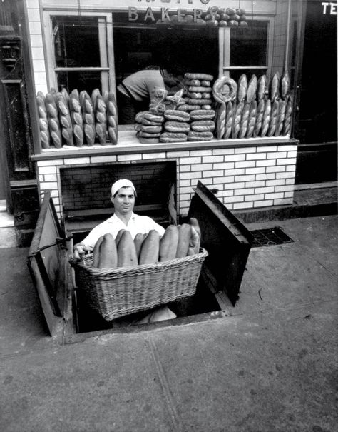 A. Zito's Bakery, Bleecker Street, New York, 1947 - by Berenice Abbott (1898 - 1991), USA