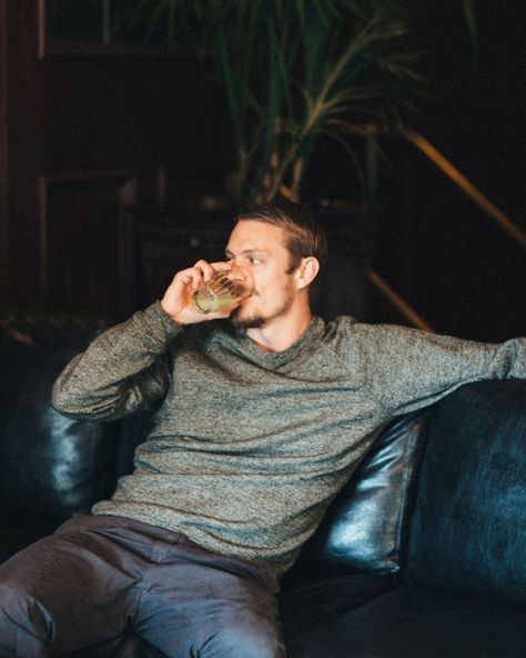 Hello, hello handsome. The Killing's Joel Kinnaman talks working with Liam Neeson and what he REALLY thinks about marriage.
