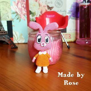 دمية اناييس Anaiswatterson Crochet Crochetdoll Amigurumei كروشيه Micro Crochet كروشيه للبيع كرو Crochet Doll Crochet Piggy Bank