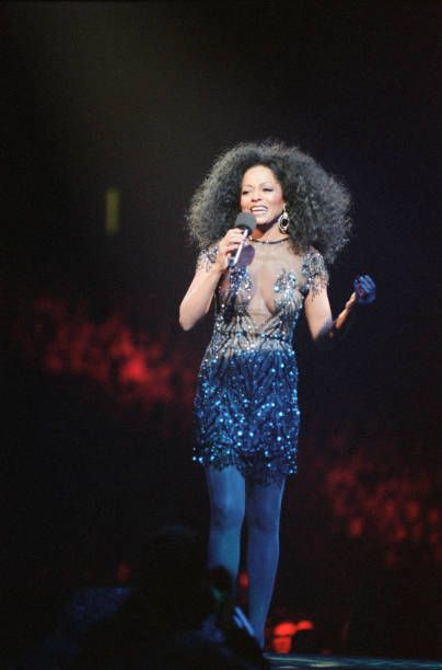 diana ross performs at the metro arena in newcastle upon tyne north east england united kingdom on july 1 199 in 2020 diana ross supremes diana ross celebrity babies diana ross performs at the metro arena