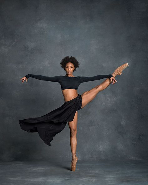 Dance photography and interviews with the leading dancers - both ballet and modern dance. Photographers Deborah Ory and Ken Browar. Dance Photography Poses, Dance Poses, Black Dancers, Ballet Dancers, Black Girls Dancing, Bolshoi Ballet, Black Ballerina, Ballerina Poses, Dance Project