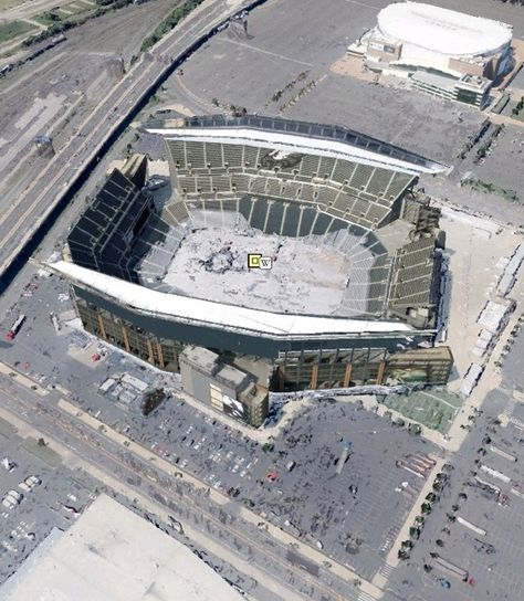 Lincoln Financial Field, the stadium of the #NFL's #PhiladelphiaEagles, was awarded #LEED Silver certification for Existing Buildings: Operation & Maintenance in 2013.