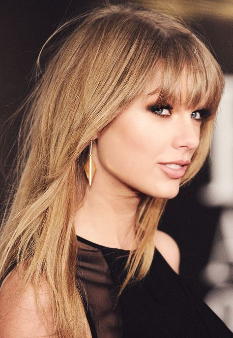 New Hair Color Red And Blonde Taylor Swift Ideas Taylor Swift Hair Color Taylor Swift Hair Taylor Swift Makeup
