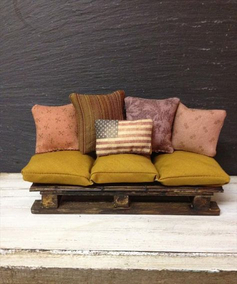 Upcycled Pallet Sofa and Cushions Set | Pallet Furniture DIY