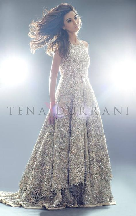 Teena Durrani Omorose Elegant Bridal Collection is the new luxury bridal wear from the designer for the Pakistani brides living in the country or abroad check the designs.