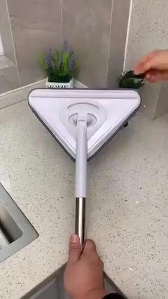 Met de Multifunctionele Dweil maak je alles heel eenvoudig schoon. Van ramen zemen tot badkamers!