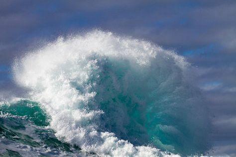 I can hear the ocean waves crashing... Beautiful.